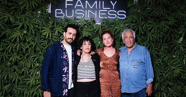 Télécharger gratuitement Family Business